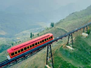 Jump the most advanced funicular of Vietnam