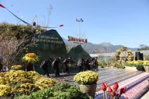 MANY MEANINGFUL SPIRITUAL ACTIVITIES AT THE SPRING FESTIVAL OF OPENING THE FANSIPAN HEAVEN GATE AND THE FANSIPAN FLOWER FESTIVAL 2020